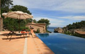 4 bedroom houses by the sea for sale in Balearic Islands. Luxury villa with spectacular sea views, Deia, Spain