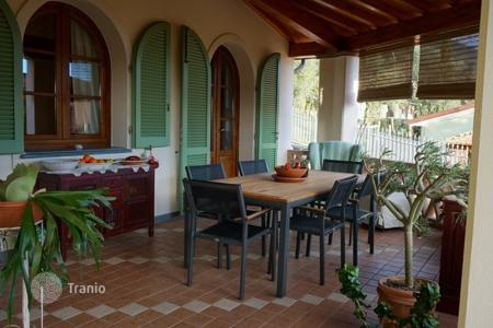 3 bedroom villas and houses to rent in Italy. Villa - Forte dei Marmi, Tuscany, Italy