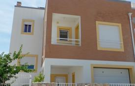 Modern 4 bedroom Townhouse with Roof Top Sea Views, near Tavira Center for 476,000 $
