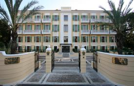 Luxury 6 bedroom apartments for sale in France. Apartment – Cannes, Côte d'Azur (French Riviera), France