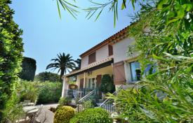 5 bedroom houses for sale in Antibes. Provençale villa 250 m² — Near Garoupe