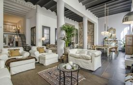 5 bedroom apartments for sale in Spain. Two-level renovated apartment with two terraces in a historic building, Barcelona, Spain
