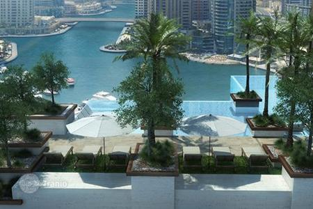 Property for sale in Western Asia. High class apartment facing the sea and port in a modern residence complex, Dubai Marina