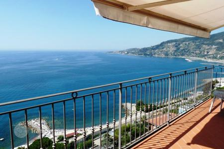 Luxury 3 bedroom apartments for sale in Liguria. Apartment – Province of Imperia, Liguria, Italy