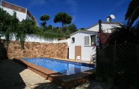 Houses with pools by the sea for sale in Costa Brava. Villa – Tossa de Mar, Catalonia, Spain