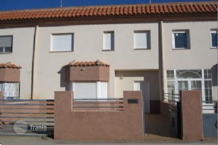 Cheap residential for sale in Fuente de Pedro Naharro. Villa – Fuente de Pedro Naharro, Castille La Mancha, Spain