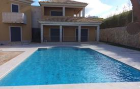 Houses with pools for sale in Faro. Three-storey villa with a swimming pool, in 1.5 km from the beach, Faro, Portugal
