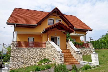Houses for sale in Hungary. The house in a beautiful location, surrounded by green hills and forests near Hévíz