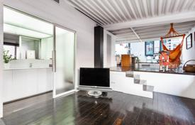 Property for sale in Catalonia. Beautiful and bright loft in the Upper Born near Plaza Urquinaona and Trafalgar