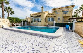 Houses with pools for sale in Altea. Spacious villa with a private pool in a quiet area, Las Ramblas, Spain