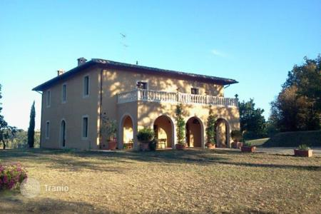 Luxury houses for sale in Siena. Castle – Siena, Tuscany, Italy