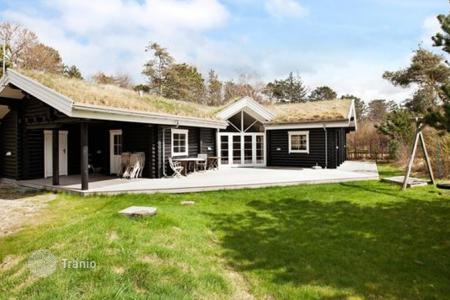 Residential to rent in Denmark. Detached house – Nykobing Falster, Region Zealand, Denmark