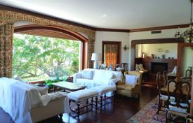Residential for sale in Piedmont. Duplex villa with panoramic views of Lake Maggiore and the mountains, in a quiet green area in Stresa, Italy
