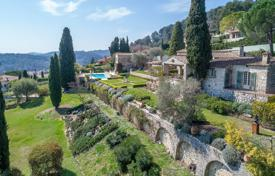 Close to Saint-Paul de Vence — Ravishing residence by Svetchine for 4,950,000 €