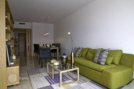 Foreclosed 3 bedroom apartments for sale overseas. Apartment in Hospitalet de Llobregat