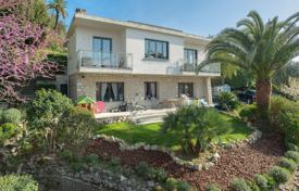 4 bedroom houses for sale in Cannes. Cannes — Basse Californie — Californian villa