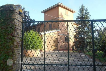 Property for sale in Mexico. Сomfortable house in Città Sant 'Angelo, Abruzzo. Italy