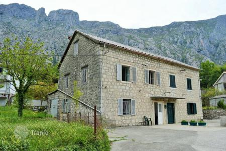 2 bedroom houses for sale in Montenegro. Villa - Kotor, Montenegro