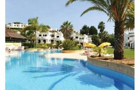 3 bedroom apartments for sale in Faro. Spacious three-bedroom apartment in a residential complex with swimming pools, Albufeira, Portugal