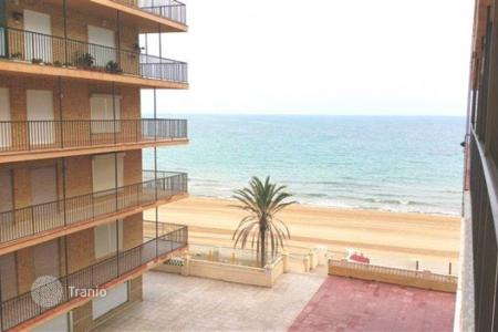 Cheap 4 bedroom apartments for sale in Valencia. Apartment of 4 bedrooms in Elche