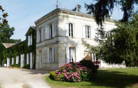Property for sale in Aquitaine. Agricultural – Bordeaux, Aquitaine, France