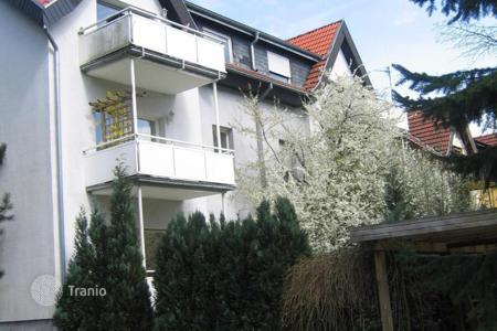 Apartments for sale in Oberursel. One bedroom apartment with views of the garden and the forest Urselbach, Oberursel