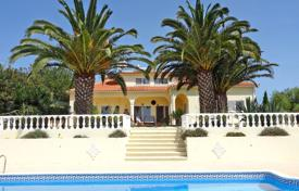 4 bedroom houses for sale in Faro. Large attractive 4 Bedroom villa with panoramic views towards the coast, Messines