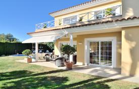 4 bedroom villas and houses by the sea to rent in Catalonia. Villa – Tarragona, Catalonia, Spain