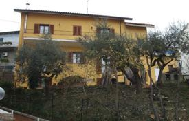 6 bedroom houses for sale in Abruzzo. Gorgeous house in Loreto Aprutino, Italy