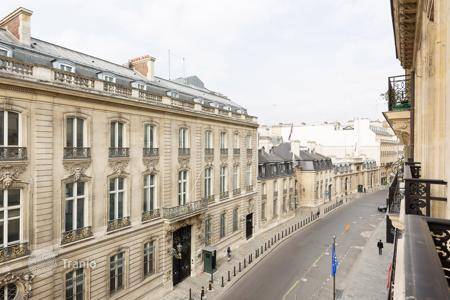Luxury apartments for sale in 8th arrondissement of Paris. Paris 8th District — Rue du Faubourg Saint-Honoré/Elysée