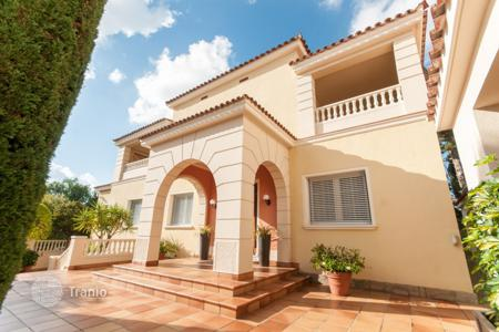 Luxury residential for sale in Sant Just Desvern. Villa – Sant Just Desvern, Catalonia, Spain