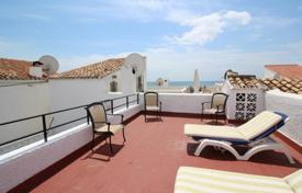 Townhouse with private garden on the beach, Estepona, Spain for 197,000 €