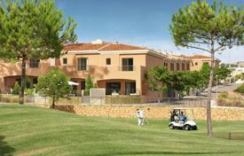 Houses with pools for sale in Monforte del Cid. Detached house – Monforte del Cid, Valencia, Spain