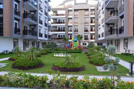 Apartments from developers for sale overseas. Duplex in a complex in the village of Konyaalti