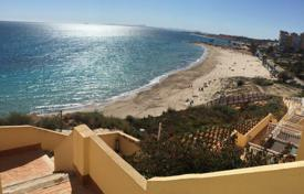 2 bedroom apartments by the sea for sale in Dehesa de Campoamor. Two-bedroom apartment with a sea view in Dehesa de Campoamor, Alicante, Spain