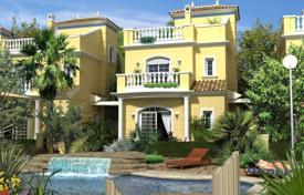 Houses with pools for sale in La Marina. Villa in a new residential complex in La Marina, Alicante, Spain