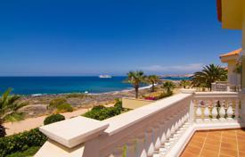 Luxury 4 bedroom houses for sale in Canary Islands. Villa – Los Cristianos, Canary Islands, Spain