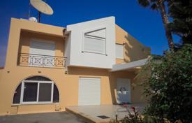 Houses with pools by the sea for sale in Germasogeia. Villa – Germasogeia, Limassol, Cyprus