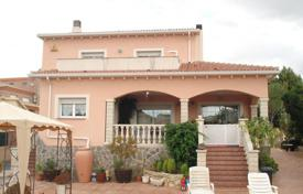4 bedroom houses for sale in Costa Dorada. Villa – El Vendrell, Catalonia, Spain
