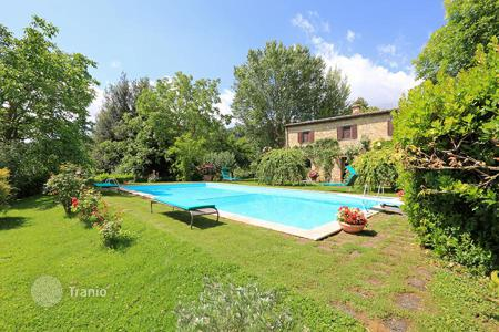 Luxury residential for sale in Sarteano. Prestigious farmhouse for sale in Tuscany, in Sarteano