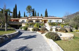 Residential for sale in Le Bar-sur-Loup. Villa – Le Bar-sur-Loup, Côte d'Azur (French Riviera), France