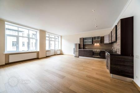 Residential for sale in Latvia. Property in the center of Riga with the possibility of a free residence permit! Spacious 4-room furnished renovated apartment!