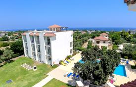 Coastal residential for sale in Kyrenia. Two bedroom penthouse of 90 m² with a roof terrace. The complex is located 700 meters from the beach, close to all infrastructure.