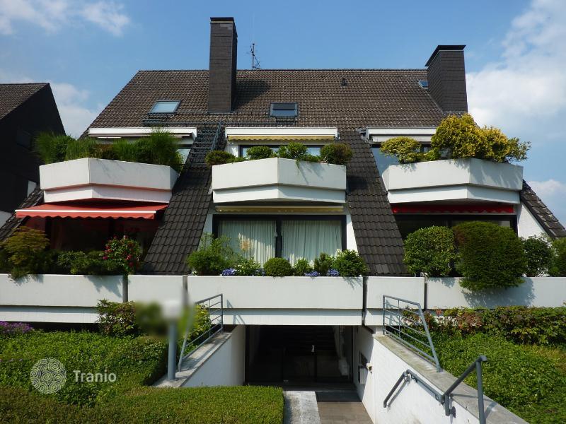 listing 1436085 in dusseldorf north rhine westphalia germany apartment tranio. Black Bedroom Furniture Sets. Home Design Ideas