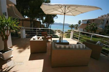 Coastal villas and houses for rent in Majorca (Mallorca). Villa – Costa de la Calma, Balearic Islands, Spain