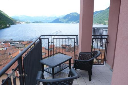 Bank repossessions property in Italy. Apartment – Lake Como, Lombardy, Italy