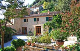 "Houses for sale in Cetona. Luxury Farmhouse for sale in Tuscany ""Villa in the historic centre"""