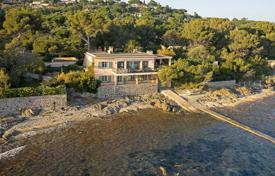 Luxury property for sale in Sainte-Maxime. Close to Saint-Tropez — Waterfront property