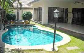 Townhome – Pattaya, Chonburi, Thailand for 3,200 $ per week