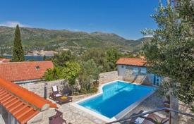 Luxury houses for sale in Croatia. Furnished villa with a swimming pool and a sea view, Zaton, Croatia